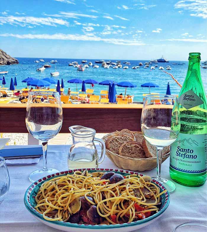 Fresh homemade spagetti with clams, Ristorante Le Sirene
